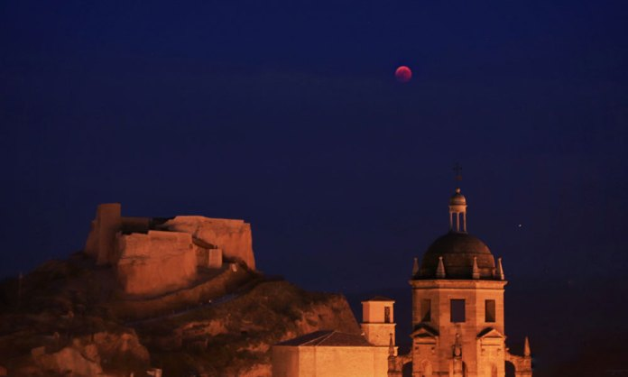 El eclipse lunar más largo del siglo visto en Arnedo (A.Y.B.)