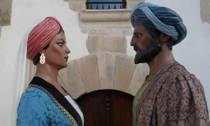 Gigantes Assona y Musa ibn Musa, construidos por Aitor Calleja