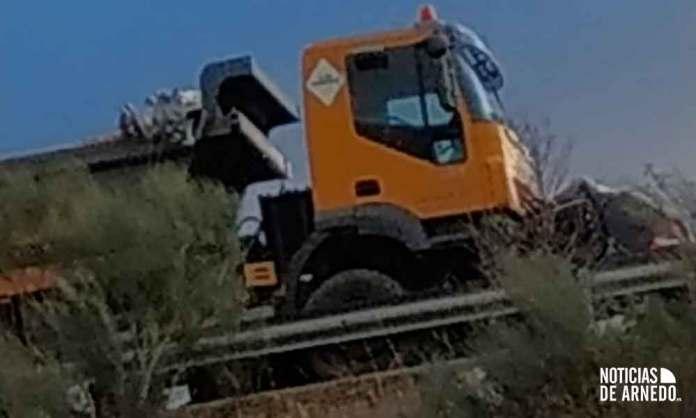 Estado de los dos vehículo tras la colisión que ha costado la vida a dos vecinos de Quel