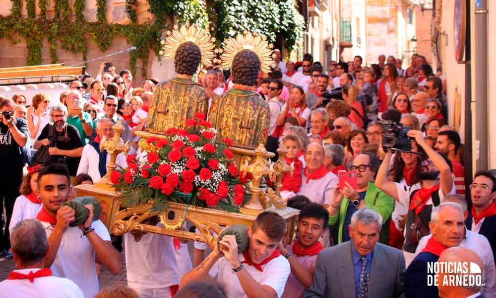 Galería de imágenes de la procesión y 'robo de los Santos' de Arnedo del 27 de septiembre de 2019