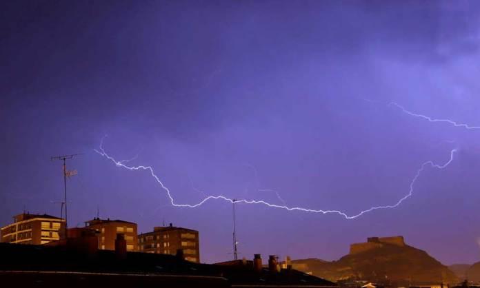 Tormenta sobre Arnedo en la noche del 8 al 9 de mayo de 2020 (Imagen: Alfonso Yustes)