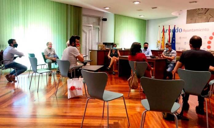 Reunión entre Ayuntamiento y representantes de Sendero