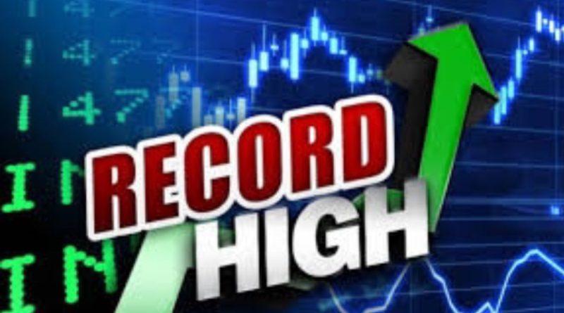 Wall Street cierra la semana con un triple récord