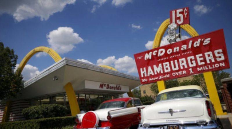 McDonald's en busca de los 222 dólares