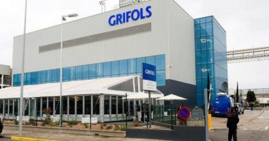 Grifols obtiene récord de ingresos pero con menos margen