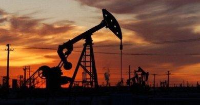 Nubarrones sobre el petróleo con un mercado inundado