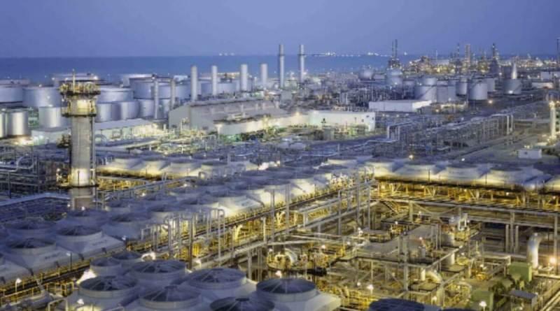 Aramco se estrena en la Bolsa de Riad con subidas del 10%