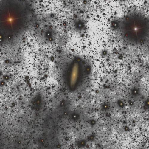 Tenue halo de unas cuatro mil millones de estrellas alrededor de la galaxia UGC00180. (Crédito: Gran Telescopio CANARIAS)