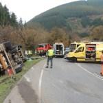 Un herido tras volcar con su camión en Cangas del Narcea