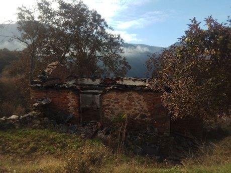 Inmueble quemado en Cornollo (Allande)