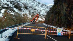 Se habilitará un paso peatonal de emergencia en el argayo entre Cangas e Ibias 1