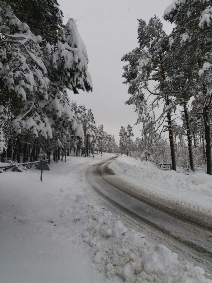 Nieve en la Casa del Puerto, en Tineo 1