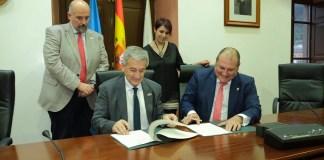 Firma de convenio Universidad Vegadeo
