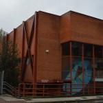 Cangas del Narcea pone a disposición la Escuela Hogar y el polideportivo para aislar a pacientes asintomáticos