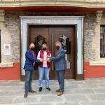 Navia recibe el premio 'Escoba de Plata'