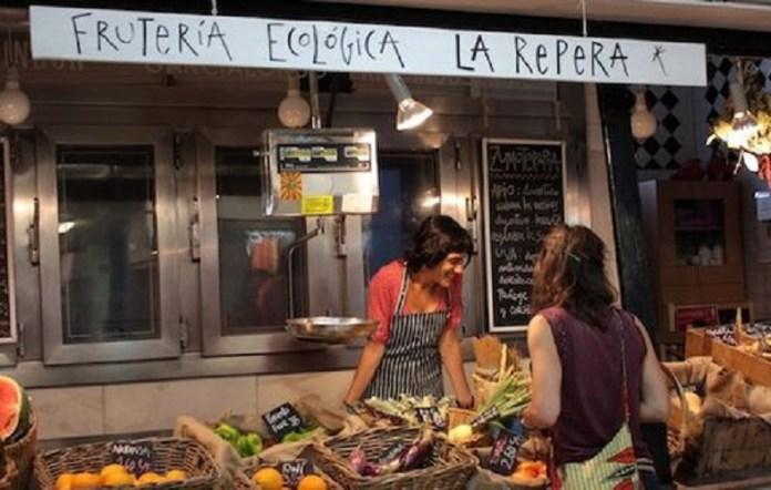 Mercado agroecológico de San Fernando en Lavapiés