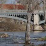 El rio Tormes rompe la pesquera de Salamanca