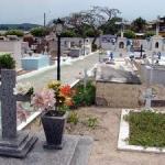 Cemitério público de São Pedro da Aldeia está superlotado e mal conservado