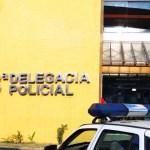 AÇÕES POLICIAIS – Corpo de homem é achado com marcas de tiros e decapitado em Macaé