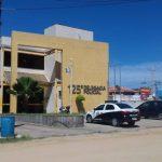 AÇÕES POLICIAIS – Jovem é apreendido com drogas no Morro dos Milagres, São Pedro da Aldeia