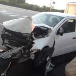 ACIDENTE – Mulher fica ferida após carro colidir com poste em Cabo Frio