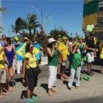 REGIÃO DOS LAGOS – Manifestação fecha trânsito na orla da Praia do Forte, em Cabo Frio