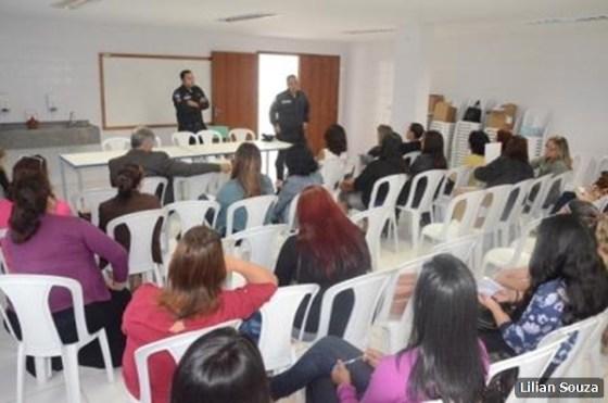 Centro de Formação Continuada Professora Ismênia Trindade dos Santos 1