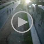 VÍDEO – Câmera de segurança registra atropelamento de ciclistas na RJ-140