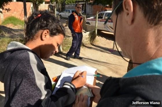 Prefeitura aldeense realiza ação contra Aedes Aegypiti e entrega material para prevenção 3