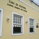 SÃO PEDRO DA ALDEIA – Prefeitura Aldeense realiza vernissage para a abertura oficial da exposição, em comemoração ao 10º aniversário de fundação da ALeART