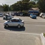 ACIDENTE – Motorista bate em mureta, em outro veículo e para em pilar de passarela