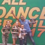 SÃO PEDRO DA ALDEIA – Bailarinas do Carlos Eduardo Escola de Dança conquistaram vaga para o Festival Internacional All Dance Orlando, nos Estados Unidos