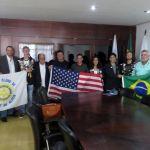 SÃO PEDRO DA ALDEIA – Prefeito Cláudio Chumbinho recebe intercambistas do Rotary Clube