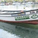 CABO FRIO – Barco fará coleta de lixos e resíduos em áreas marítimas de Cabo Frio