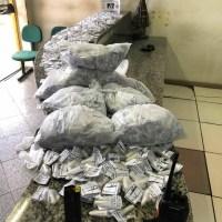 AÇÕES POLICIAIS – Polícia detém homem com carga de cocaína após troca de tiros em São Pedro da Aldeia