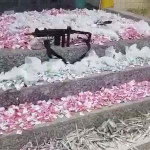 AÇÕES POLICIAIS – Homem é flagrado com metralhadora, cocaína e maconha em Araruama