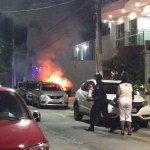CABO FRIO – Carro pega fogo próximo à Praia do Forte, em Cabo Frio