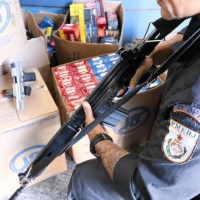 AÇÕES POLICIAIS – Policiais detêm suspeitos e recuperam carga de cigarros roubada na RJ-118