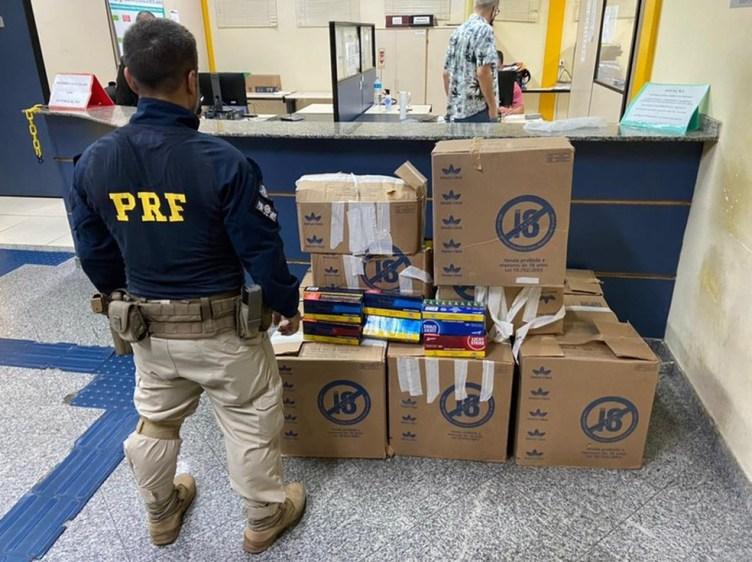 Carga de cigarro roubada em Rio Bonito é recuperada pela PRF no Rio de Janeiro