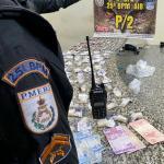 Polícia Militar apreende drogas e Rádio Transmissor no Morro dos Milagres