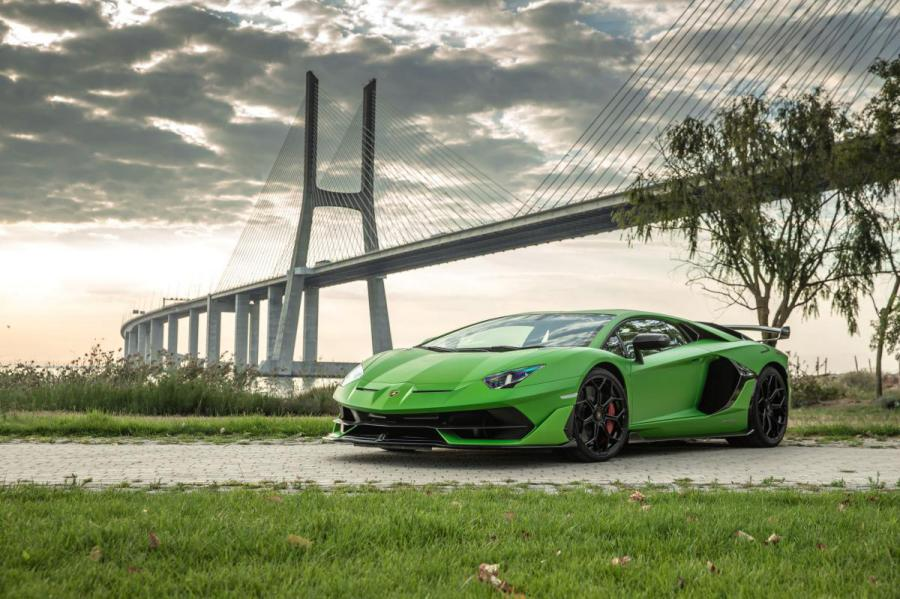 Lamborghini Aventador 1 medium - Lamborghini Financial Services chega a Portugal