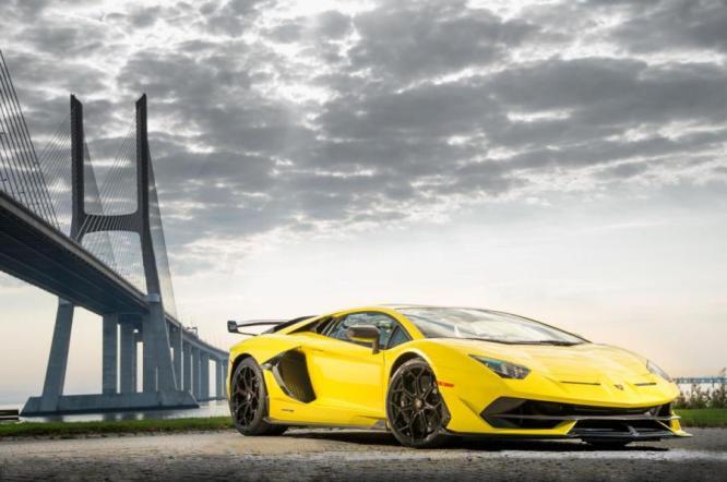 Lamborghini Aventador 2 medium - Lamborghini Financial Services chega a Portugal