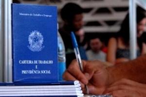 Câmara aprova multa para quem não assinar carteira de empregado doméstico