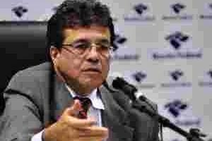 Secretário admite que a Receita já não comanda a política tributária