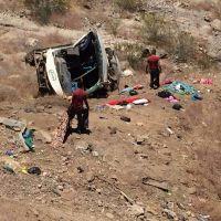 """¡Catastrófico accidente en """"LA CUESTA DEL INFIERNO"""" autobús con estudiantes cayó al voladero!"""