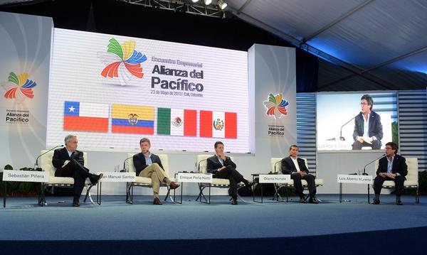 Alianza del Pacifico enfrenta a empresarios y politicos en Costa Rica