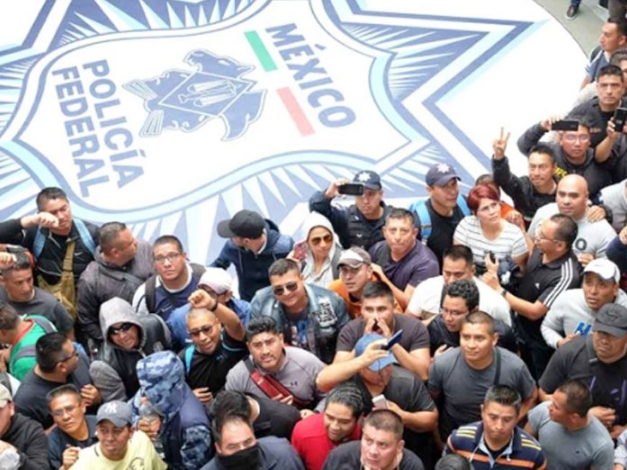 Image result for policia federales mexico protestan