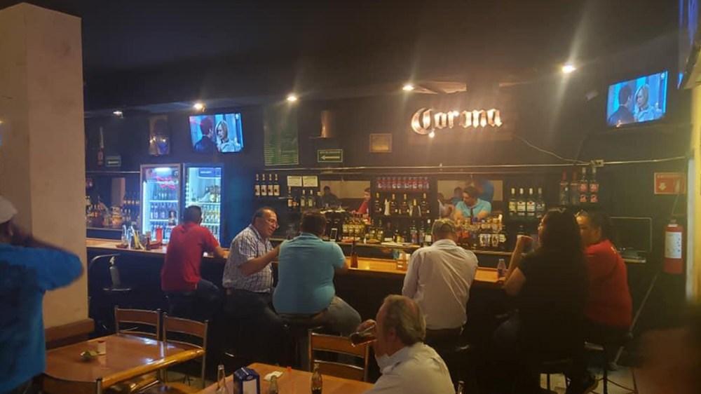 Propietarios de bares en Saltillo serán afectado en un 30% por nueva ley de  cierre a las 23:00 pm. | NRT México
