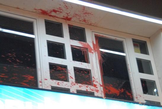 Actos vandálicos en la sede PP Getafe 2