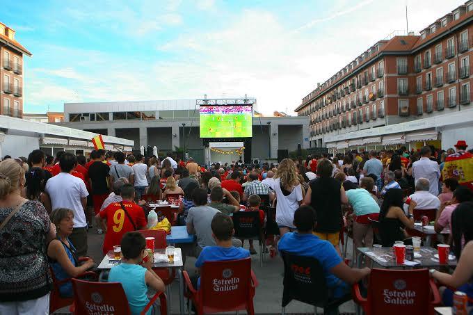 El esperado y posible ascenso del CD Leganés podrá verse en una pantalla gigante en la Plaza Mayor. Con ello permitirá a los leganenses seguir el decisivo partido entre el CD Leganés y el Hospitalet del próximo domingo